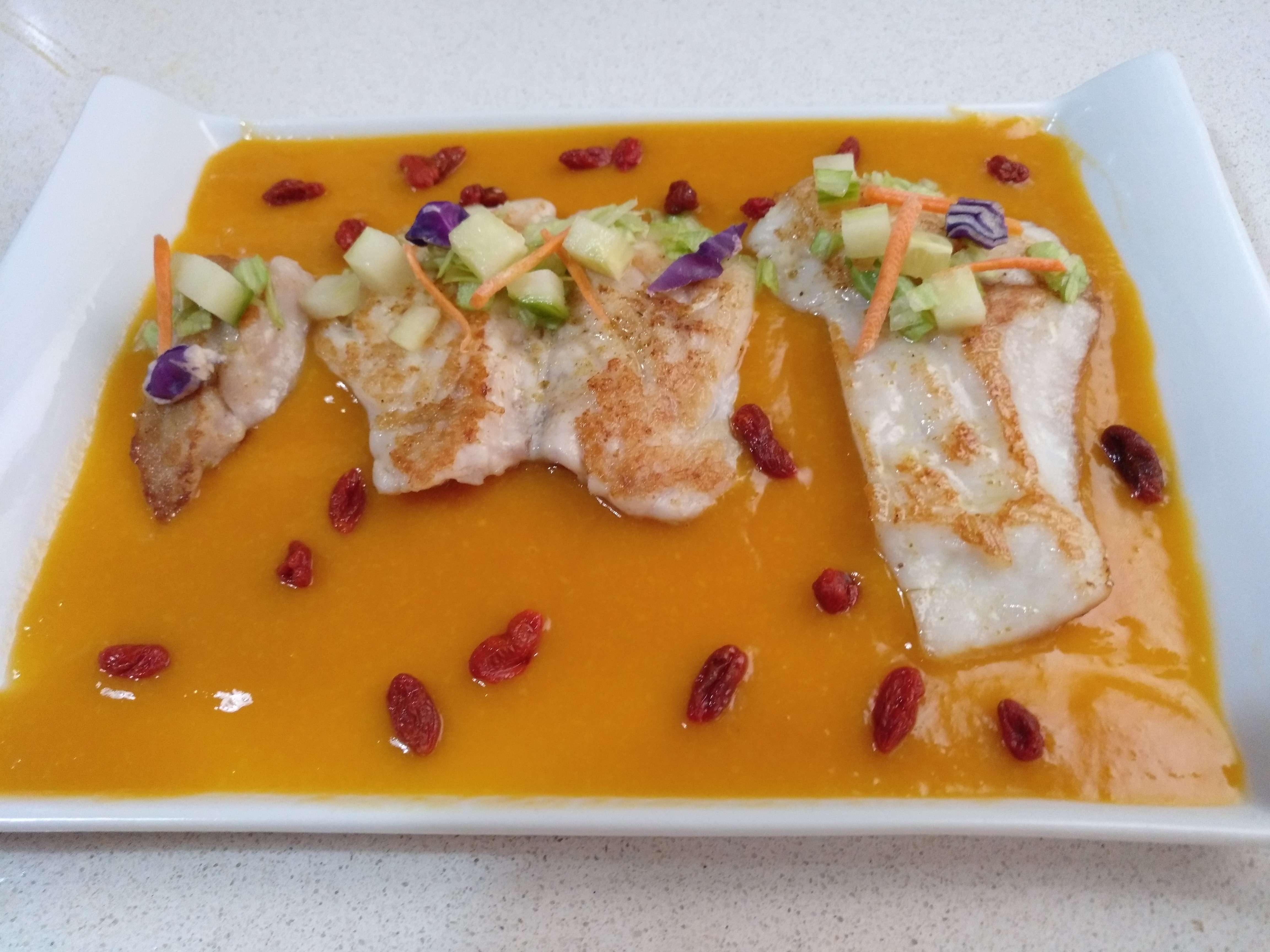 Lenguado Con Salsa De Mango Y Bayas De Goji Pedro Suarez Y